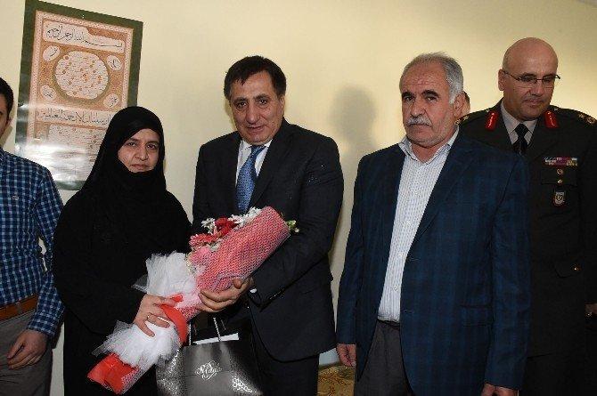 Şanlıurfa Valisi İzzettin Küçük Şehit Ailelerini Ziyaret Etti