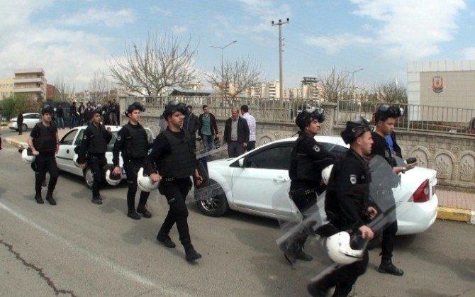 Şanlıurfa'da Yasak Kararına Rağmen Nevruz Kutlamasına Müdahale Edildi