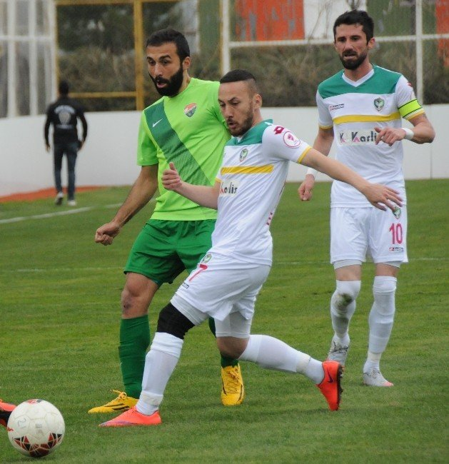 Amed Sfk, Kocaeli Birlikspor'u 2-1'le Geçti
