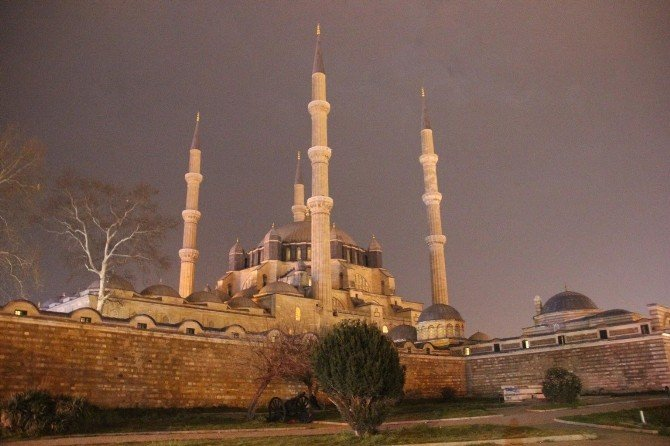 Tarihi Selimiye Camii'nde 'İklim Değişikliği' Eylemi