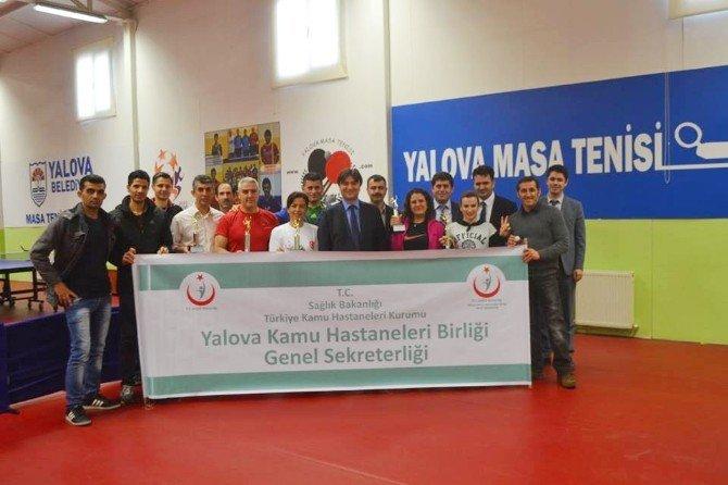Yalova'daki Sağlık Çalışanları Hünerlerini Masa Tenisinde Sergiledi
