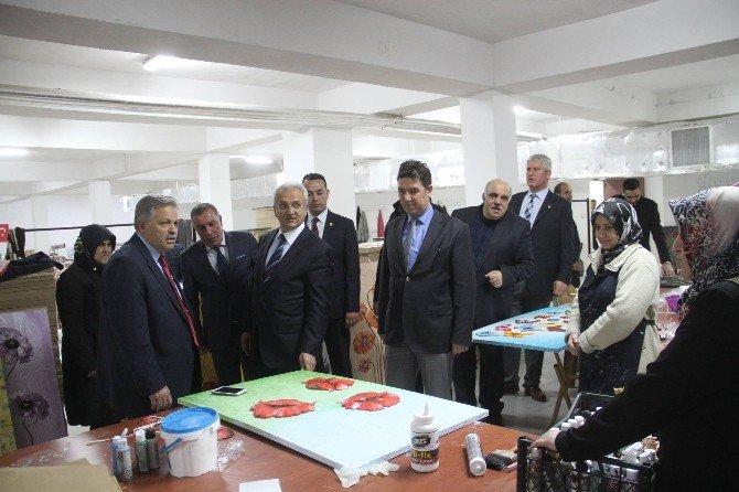 Erzincan'da 60 Yaş Üzeri Vatandaşlara Resim Kursu Açıldı