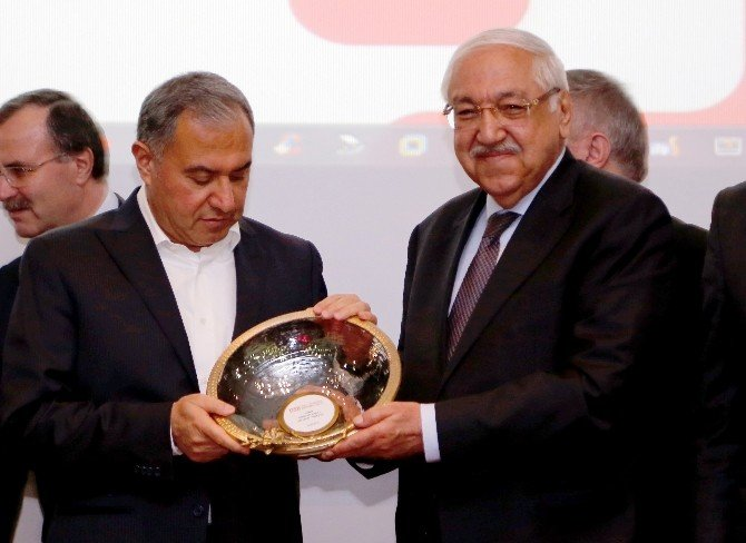 """Osbük Başkanı Cahit Nakıboğlu: """"Meslek Okulları Sanayicilerin Eli Ayağı"""""""