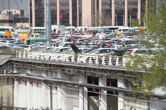 Atatürk Havalimanı'nda Şüpheli Araç Paniği