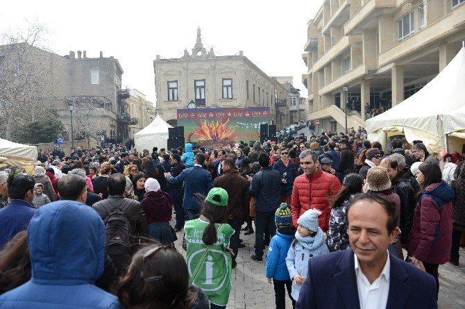Azerbaycan'da Nevruz Coşkuyla Kutlanıyor