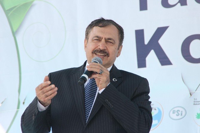 Bakan Eroğlu CHP'li Belediyelere Yüklendi