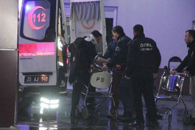 Erzurum'da Polisleri Taşıyan Midibüs Yan Yattı: 18 Polis Yaralı