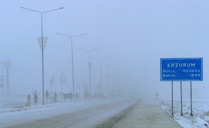Palandöken'de Kar Ve Tipi Hayatı Felç Etti