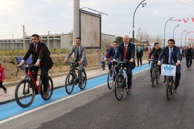 Sarıgöl Caddelerinde Bisiklet Turu