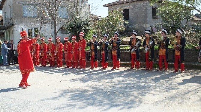 Öğrencilerden Oluşan Mehter Takımı Köyde Konser Verdi
