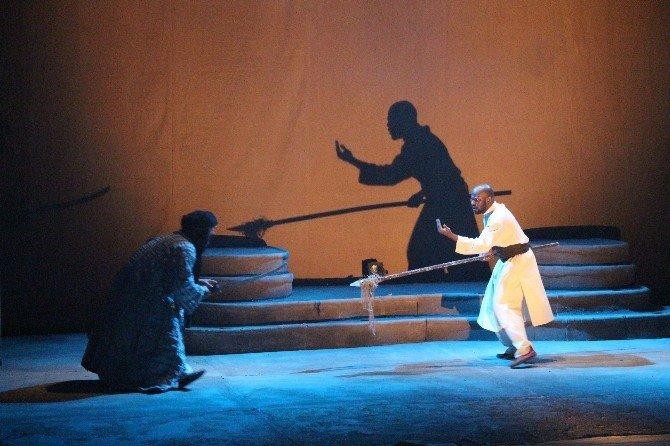 'Omar Bin Hattab' Samsun'da Sahnelendi