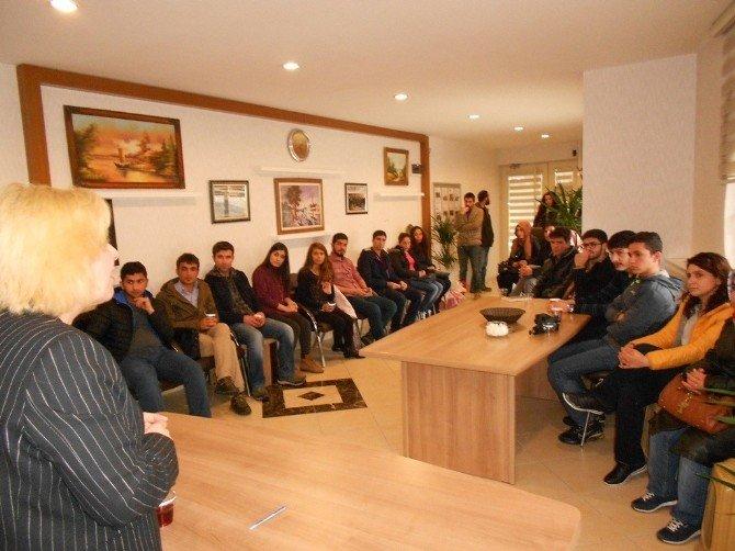 Şander'den 60 Öğrenciye Burs