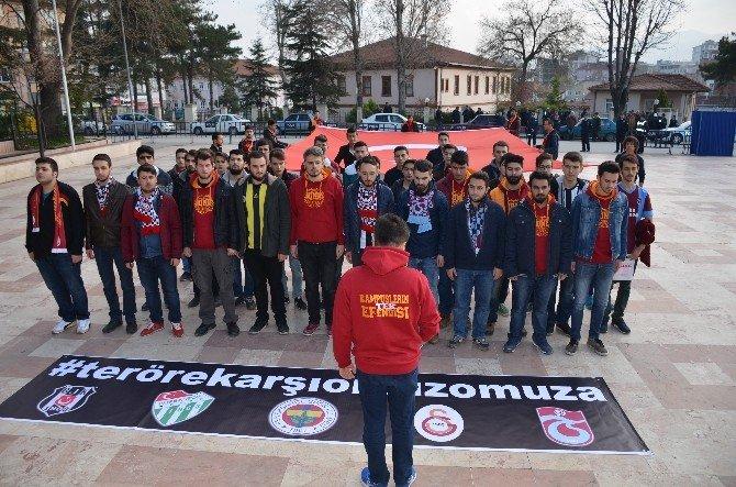 Bilecik'te Üniversite Taraftar Grupları Teröre Karşı Yürüdü
