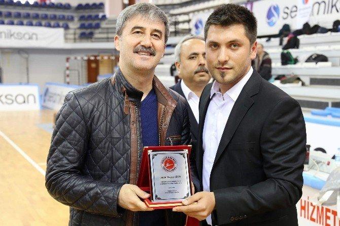 Turgutlu'da Kick Boks Rüzgarı Esti