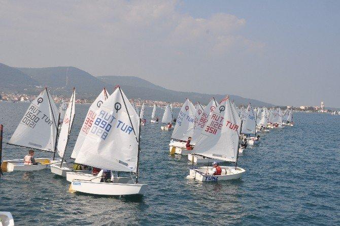 Urla'da Çanakkale Zaferi Yelken Yarışları Yapıldı