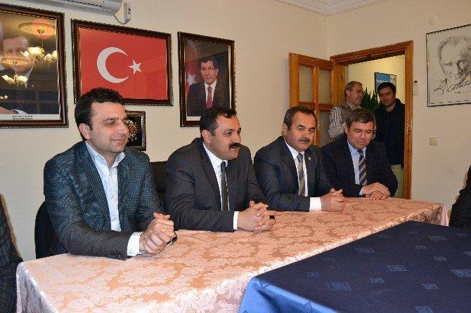 AK Partili Vekillerden Kemer İlçe Teşkilatına Ziyaret
