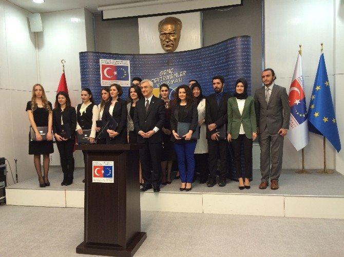 AB Bakanlığı 'Genç Çevirmenler Yarışması' Sertifika Töreni
