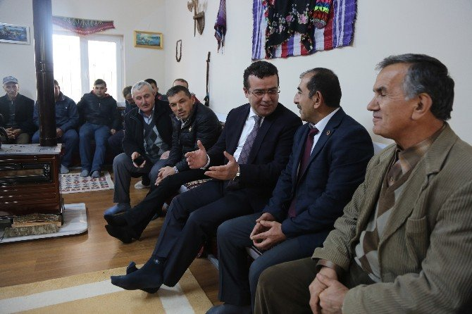 Taşçı'yı Köy Konağında Ağırladılar