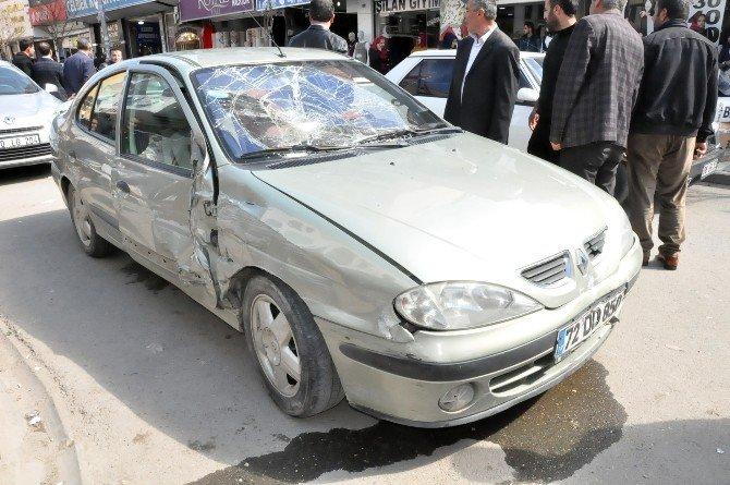 Kalp Krizi Geçiren Sürücü Kaza Yaptı: 3 Yaralı