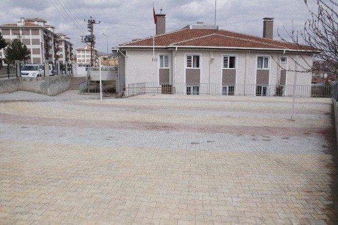 TOKİ Mehmet Akif İlköğretim Okulu'nda Çevre Düzenlemesi