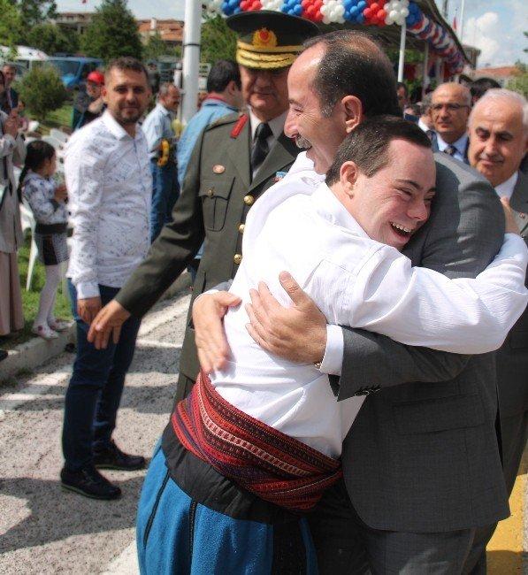"""Başkan Gürkan, """"Yeter Ki Yüreğinizde, Beyinlerinizde Engeller Olmasın"""""""