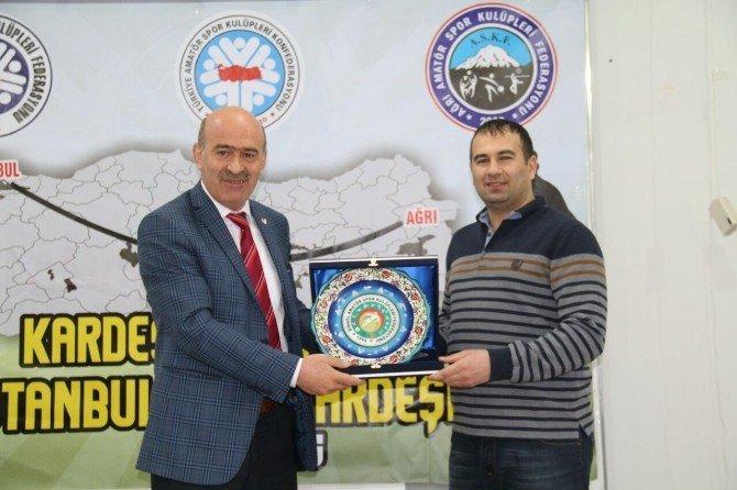 İstanbul Askf'den Ağrı'ya Futbol Kardeşliği