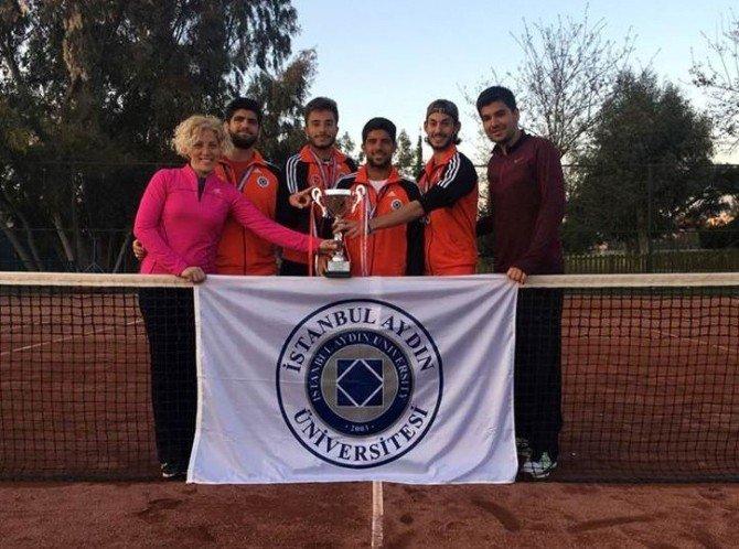 İstanbul Aydın Üniversitesi'nden Çifte Şampiyonluk