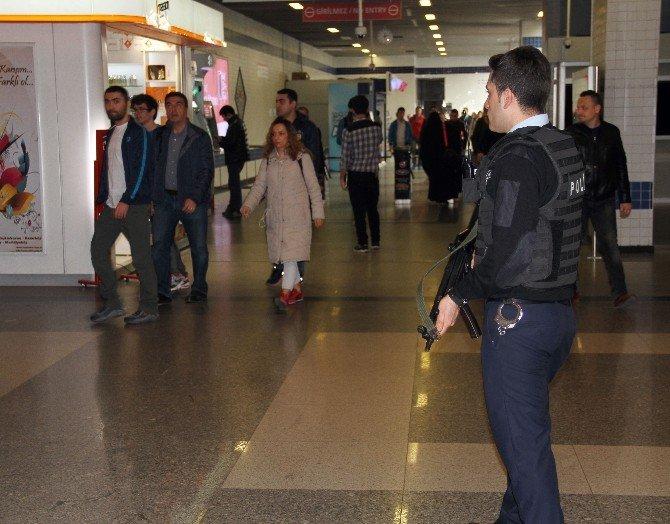 Atatürk Havalimanı'nda Güvenlik Önlemleri Üst Düzeye Çıkarıldı