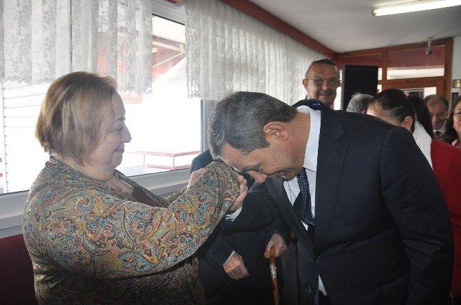 Başkan Uysal Yaşlılar Haftasını Huzurevinde Kutladı