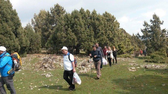 Beyşehir'li Doğaseverlerden Teröre Lanet Yürüyüşü