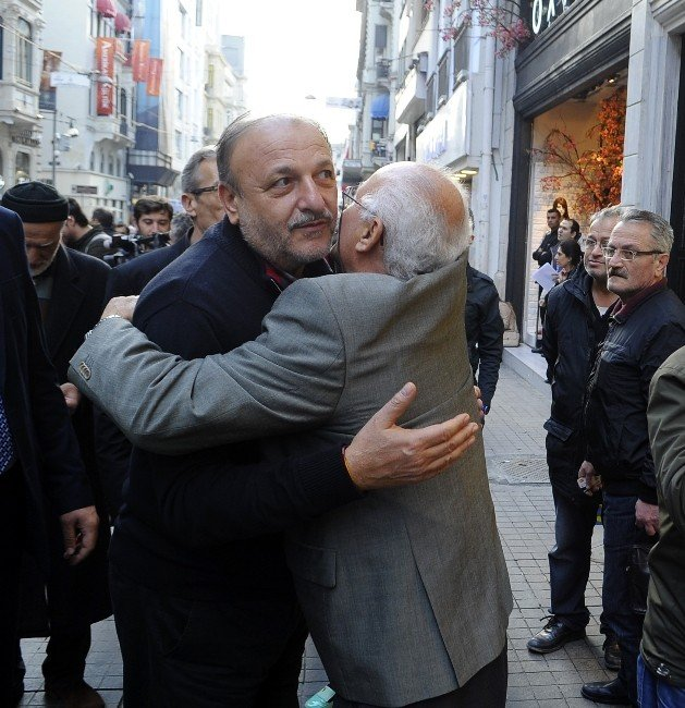 Oktay Vural'a İstiklal Caddesi'nde Tepki: