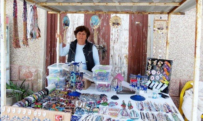 Emekli Öğretmen Mudanya Sevdasını Magnetlere İşliyor