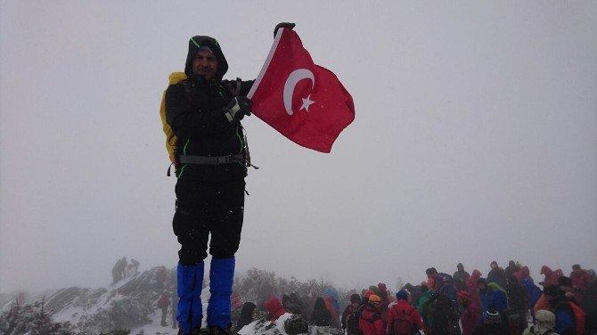Atatürk Üniversitesi Dağcıları Şehitler Anısına Tırmandı
