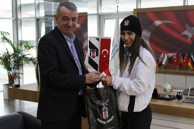 Genç Atlet Beşiktaş'a Transfer Oldu