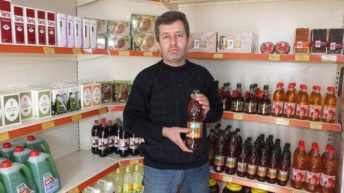 Burhaniye'de TARİŞ Yazlık Mağazasını Açtı