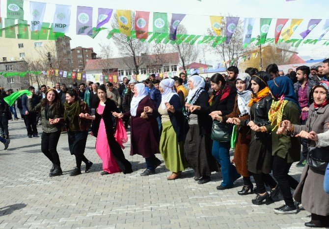 Tatvan'da Nevruz Kutlaması