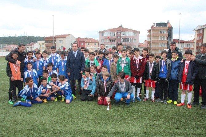 Bozüyük Yavuz Sultan Selim İlk/ortaokulu Şampiyonu Oldu