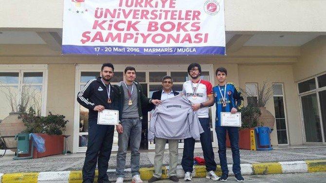 Adıyaman Üniversitesi Öğrencileri Kick Boks Şampiyonasından Madalya İle Döndü