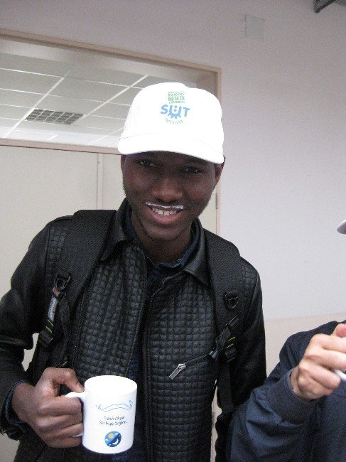 Yabancı Öğrencilerden 'Süt Bıyığı'