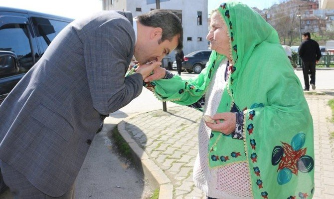 Başkan Cüneyt Yemenicinin Yaşlılara Saygı Haftası Mesajı
