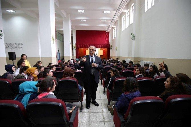Başkan Kutlu, Mezun Olduğu Okulun Öğrencileriyle Buluştu