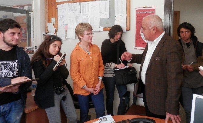 Mimarlık Fakültesi Öğrencileri Başkan Karaçelik'i Ziyaret Etti