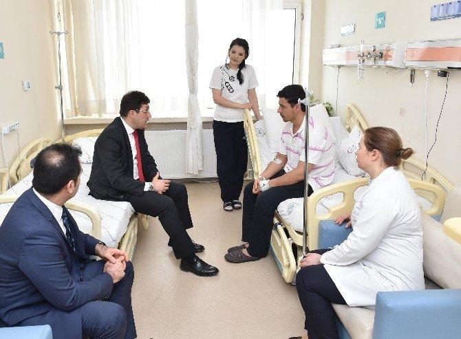 Başkan Hazinedar Saldırıda Yaralananları Ziyaret Etti