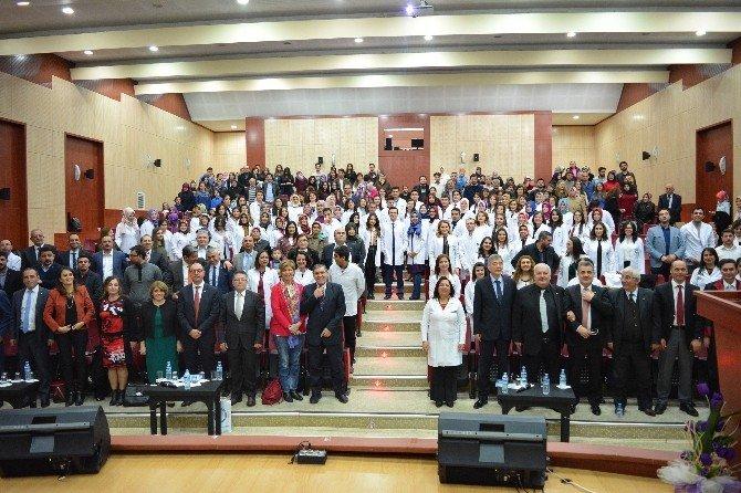 Eczacılık Fakültesi 3. Geleneksel Beyaz Önlük Giyme Töreni