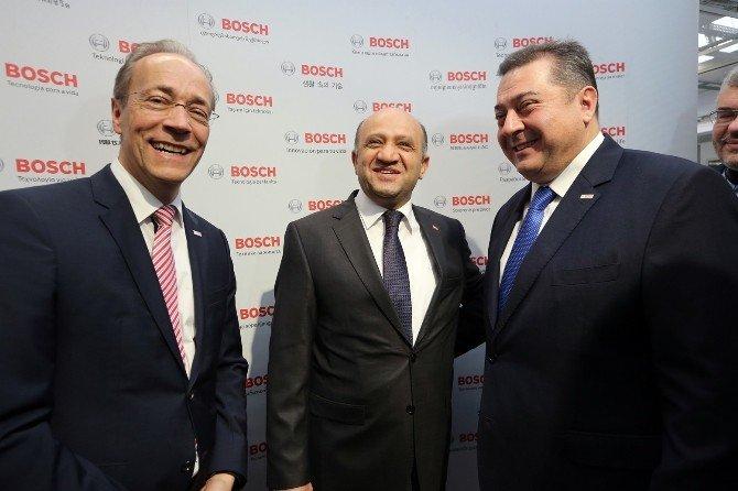 Bakan Fikri Işık Bosch'un Endüstri 4.0 Çalışmalarını İnceledi