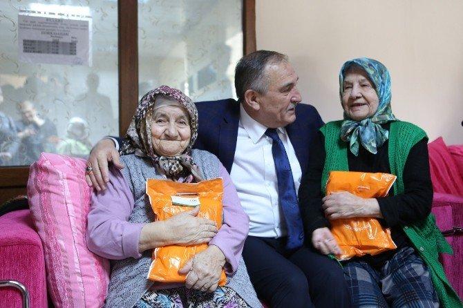 Bolu Belediye Başkanı Alaaddin Yılmaz Yaşlıları Ziyaret Etti