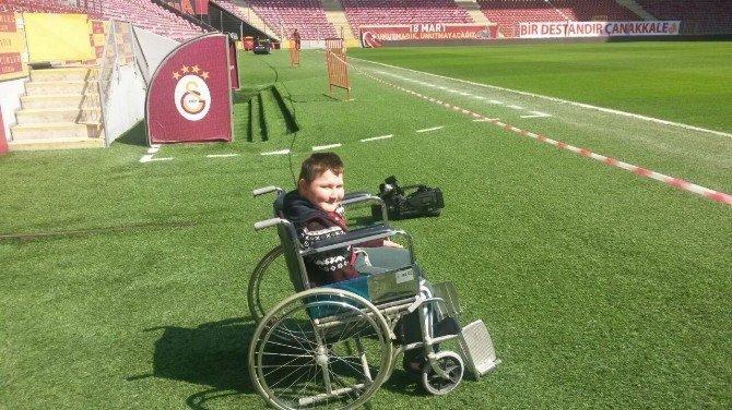 Galatasaray'dan, Kas Hastası Kubikay'a Büyük Jest