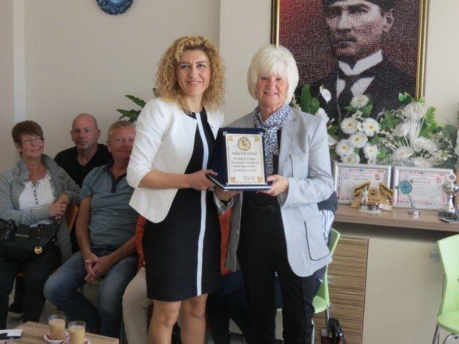 Didim'de Gönüllü Yabancılardan Spora Destek