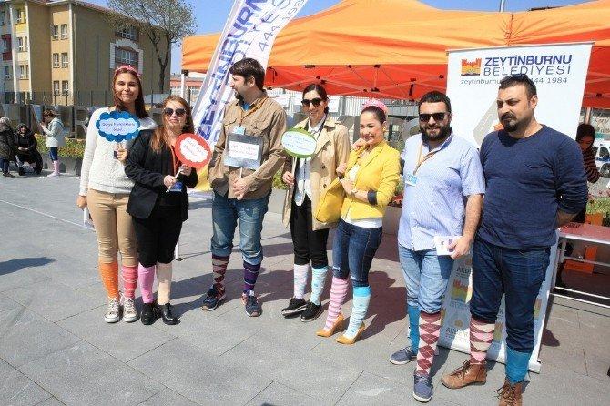 Down Sendromu Farkındalık Günü'nü Renkli Çorapla Kutladılar