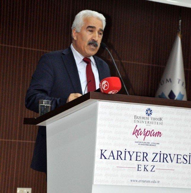 """ETÜ """"Kariyer Zirvesi""""ne Ergaz Damga Vurdu"""